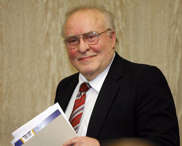 Ernst Zündel, durante el juicio en el que fue condenado por negar el Holocausto