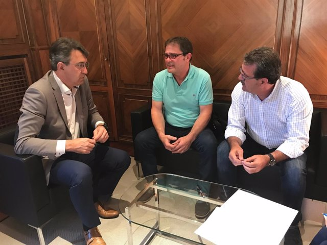 Reunión con responsables de la Promotora Pro Garbanzo.