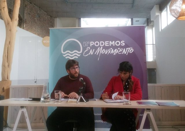 Miguel Urban y Teresa Rodríguez en una presentación