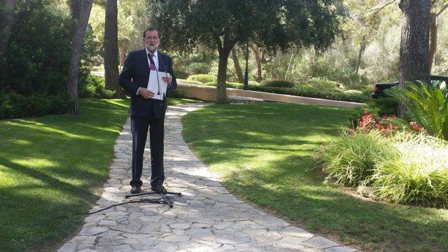 Rajoy Atiende A Los Medios En Palma