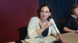 """Colau culpa a AENA y su modelo """"hipercentralizado"""" y de """"bajas temerarias"""" del conflicto de El Prat"""