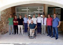 Ib Salut elabora un plan de accesibilidad para adaptar los centros de salud a personas con movilidad reducida