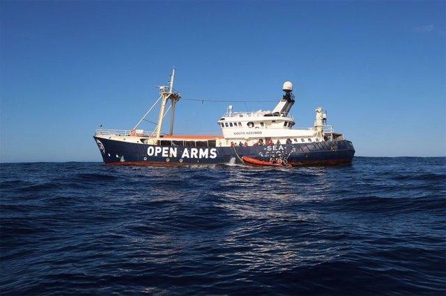 El buque Golfo Azzurro en aguas internacionales