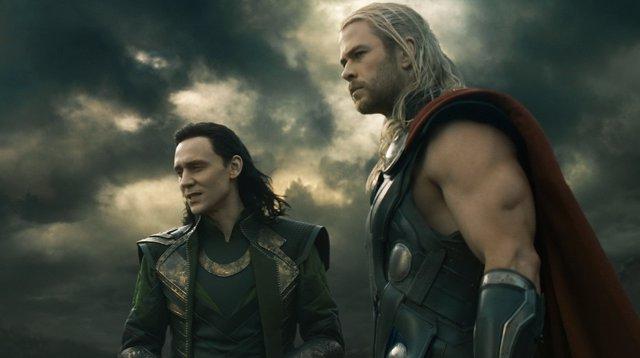 Thor y Loki en En mundo oscuro