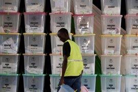 La Comisión Electoral de Kenia investigará el supuesto ciberataque denunciado por Odinga