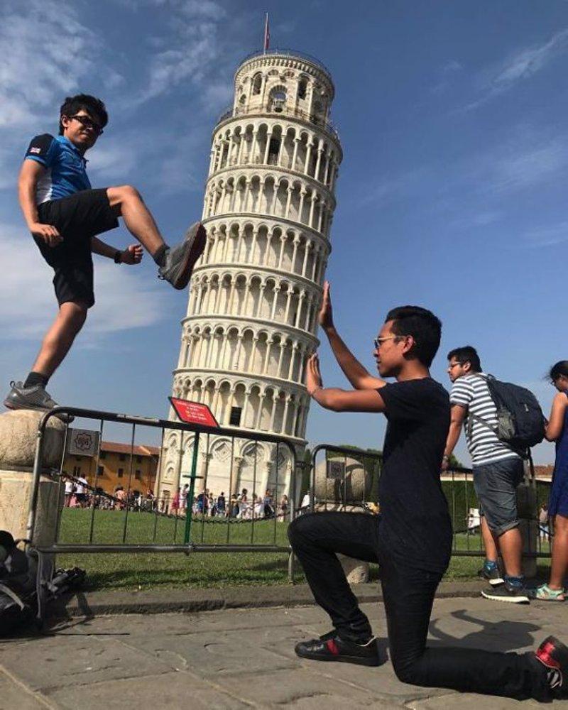 3b37723401c6 TOP 10 fotos más ingeniosas tomadas en la Torre de Pisa