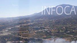 Vuelven a las dos urbanizaciones los desalojados por el incendio en Estepona, ya estabilizado