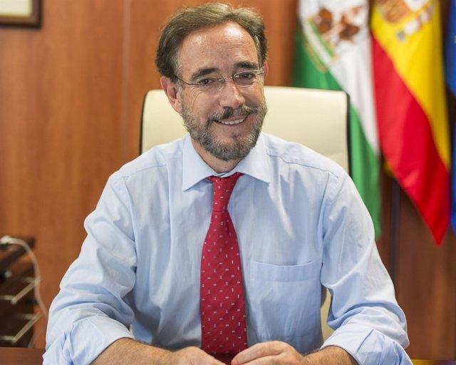 El consejero de Fomento y Vivienda, Felipe López