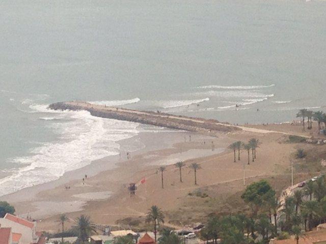 El temporal de viento y oleaje en el este de la Península y Baleares irá amainando hasta el miércoles