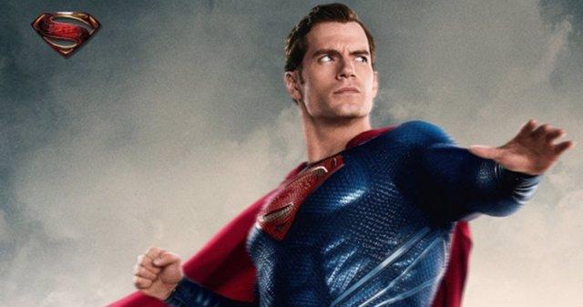 Superman en una imagen promocional de La Liga de la Justicia