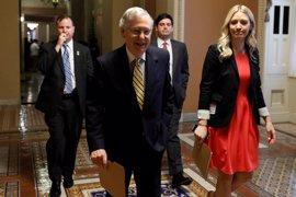 Trump sugiere que pedirá la dimisión del líder republicano en el Senado si no hay avances legislativos