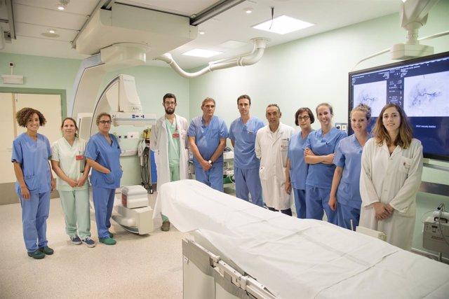 Profesionales de Radiología Vascular Intervencionista y Urología del CHN