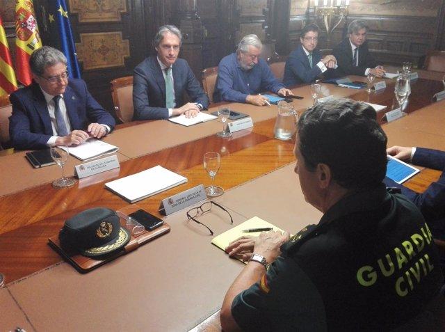 El ministro Í.De la Serna y el delegado del Gobierno en Catalunya E.Millo