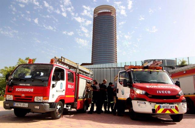 320 Bomberos Visitan Las Instalaciones De La Torre Pelli.