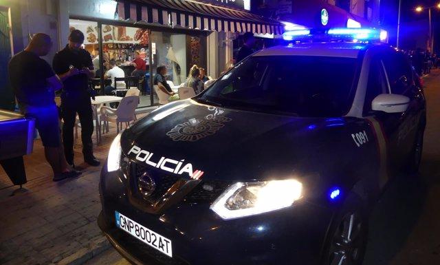 La Policía Nacional y Local de Manacor realizan un control de tráfico de drogas en la zona de ocio de Calas de Mallorca
