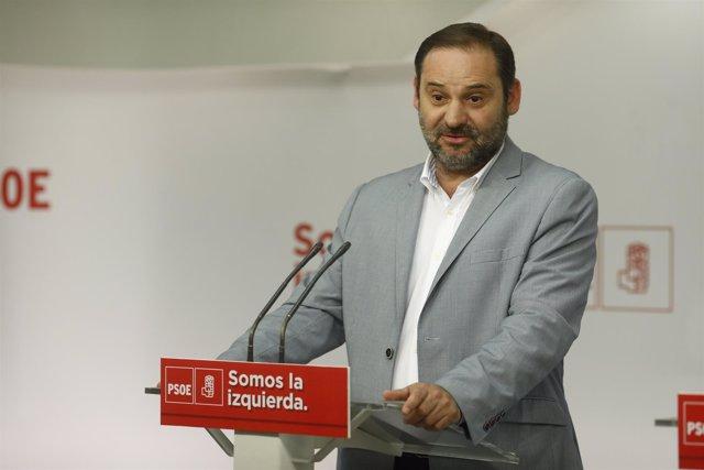 José Luis Ábalos en rueda de prensa en Ferraz
