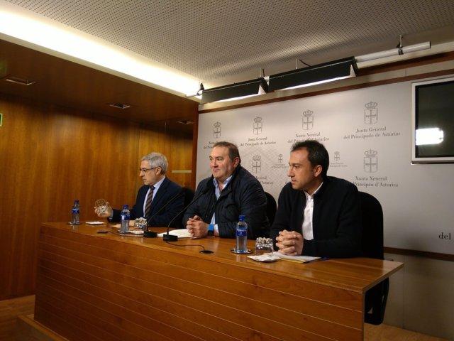 Gaspar Llamazares, Ramón Argüelles y Ovidio Zapico, de IU
