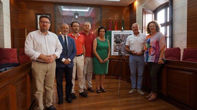 El consejero de Fomento visita el Ayuntamiento de Vera