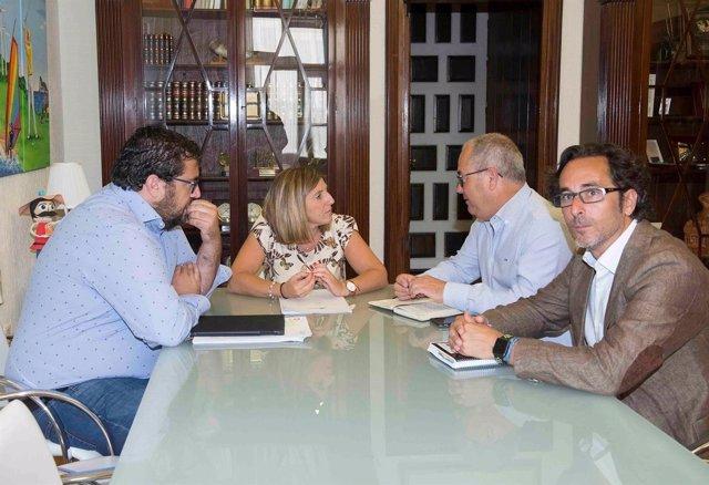 Reunión entre Diputación y organizaciones de pesca
