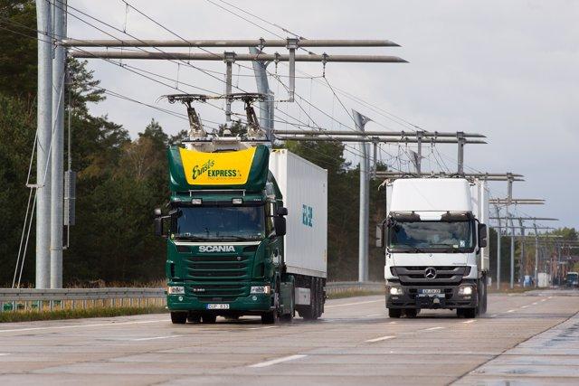 Siemens eHighway: Testfahrt mit Bundesumweltministerin Hendricks / Siemens eHigh
