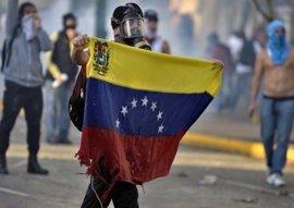 """Maduro propone hasta 25 años de cárcel para """"delitos de odio, intolerancia o violencia política"""""""