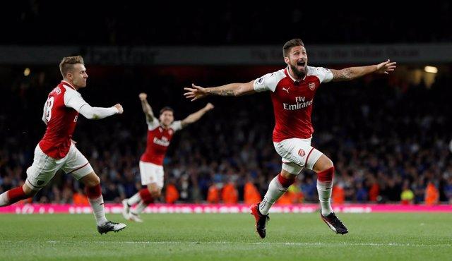 El Arsenal sufre para conseguir la primera victoria en el estreno de la Premier
