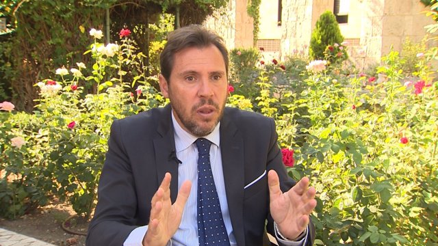 Óscar Puente durante una entrevista con Europa Press