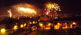 La Nit de l'Albà de Elche calienta motores para disparar 400 palmeras y 2.000 kilos de pólvora