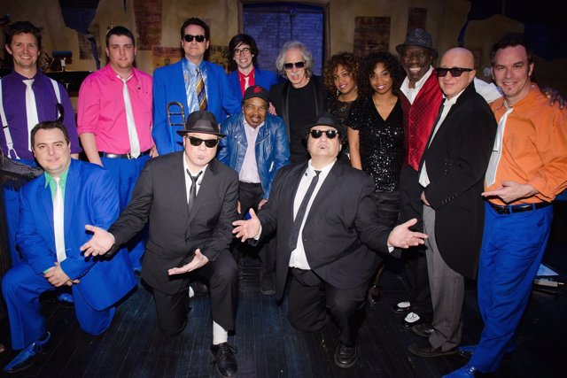Los miembros de The Original Blues Brothers Band