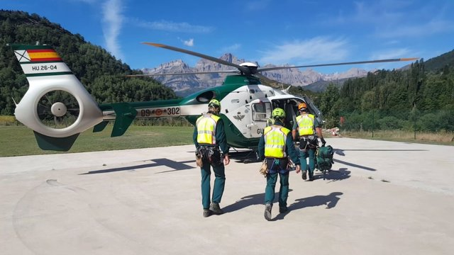 La Guardia Civil realiza cinco rescates este sábado en el Pirineo oscense.