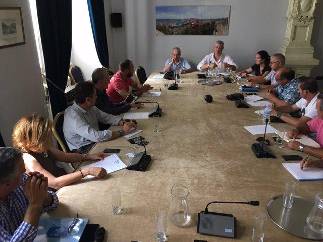 El Ayuntamiento De Málaga Informa: Fotografías (2) De La Reunión Con Los Taxista