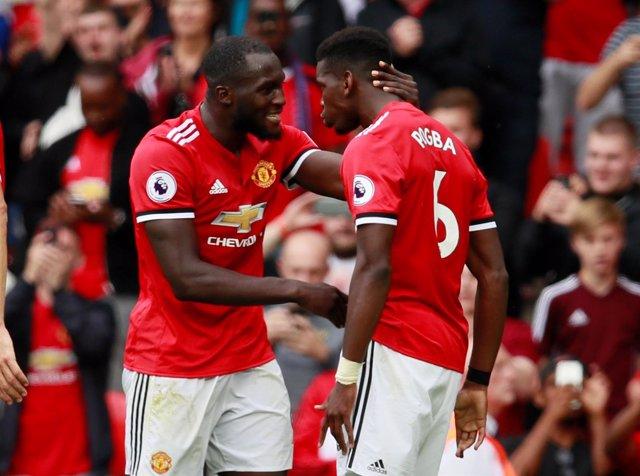 El Manchester United golea al West Ham y el Tottenham doblega al Newcastle