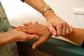 Usar sólo medicina alternativa para cánceres curables provoca un mayor riesgo de muerte (PIXABAY)