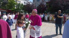 El obispo presidirá en la Catedral la misa de La Asunción e impartirá la bendición papal