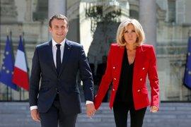 Macron denuncia por acoso a un fotógrafo que le seguía en vacaciones