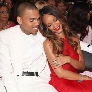 """Chris Brown habla abiertamente de Rihanna: """"Me sentía como un jodido monstruo"""""""