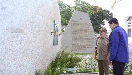 Maduro hace una visita sorpresa a Cuba para rendir homenaje a Fidel Castro