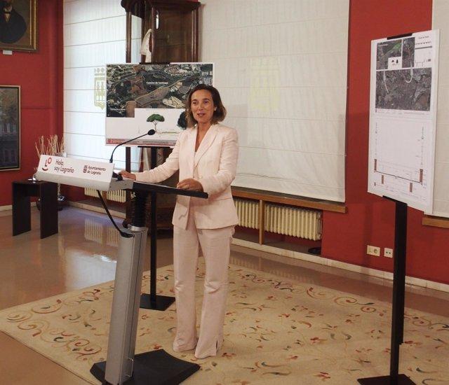 La alcaldesa durante la presentación de los proyectos del 1,5% Cultural