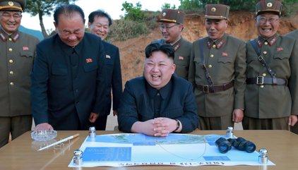 """Trump alaba la """"sabia decisión"""" de Kim Jong Un de evitar un desenlace """"catastrófico"""" para Corea del Norte"""