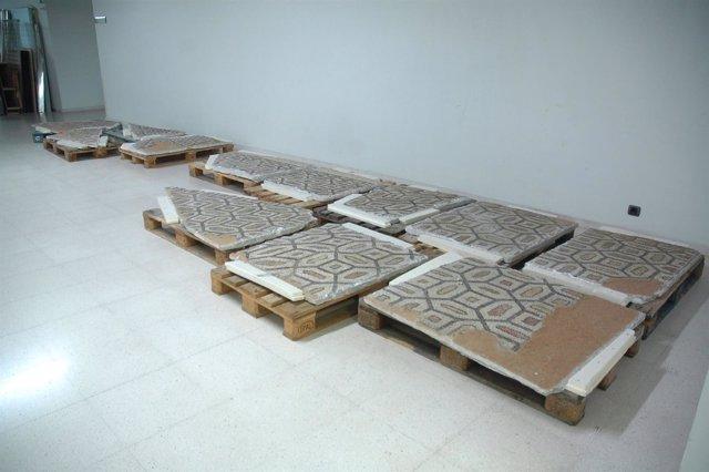 El MARQ inicia la restauración del mosaico romano de Villa Petraria