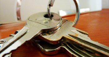 Una actualización fallida en cerraduras inteligentes impide acceder a viviendas de alquiler