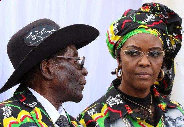 Robert Mugabe y su mujer, Grace Mugabe