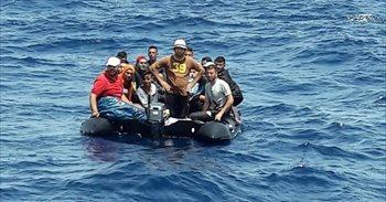 Alrededor de 418 pateras y más de 8.000 personas han sido rescatadas por Salvamento Marítimo en lo que va de año