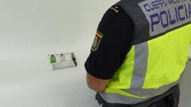 Detenidos dos hombres en Elche sorprendidos con material para el timo de los billetes tintados oculto en su coche
