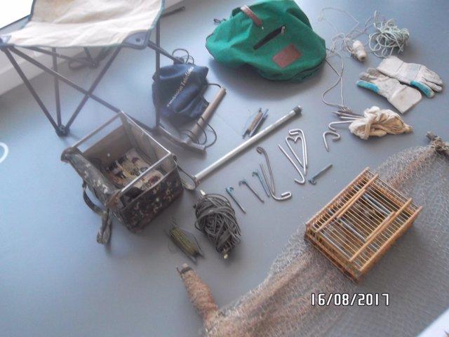 Instrumentos para capturar ilegalmente jilgueros