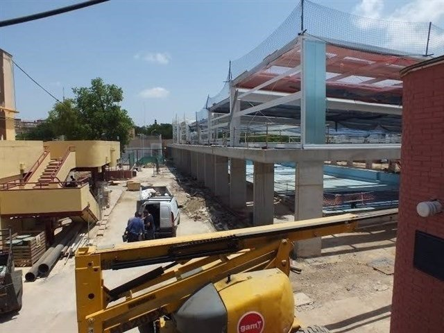 Obras en la piscina del Tiro de Línea.