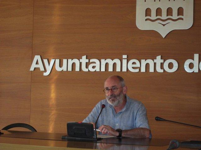 Ruiz Tutor durante su intervención