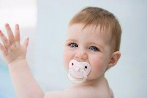 El chupete hasta los tres o cuatro años reduce la probabilidad de muerte súbita infantil (THINKSTOCK)