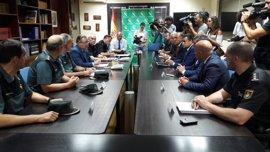 """Zoido: La """"tremenda presión migratoria"""" en la costa andaluza """"no tiene comparación reciente"""""""