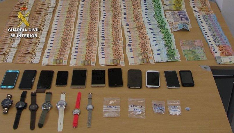 La Guardia Civil desmantela un grupo criminal dedicado al robo con violencia y tráfico de drogas en Magaluf